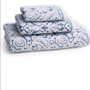Kassatex New York Dalia Hand Towel Indigo Blue NWT